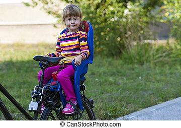 女の子, モデル, 中に, 自転車座席