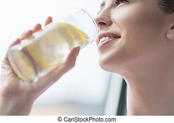 女の子, レモネード, 飲むこと, 若々しい, とても