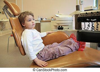 女の子, 中に, 歯の外科手術