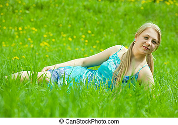 女の子, 弛緩, 中に, 草