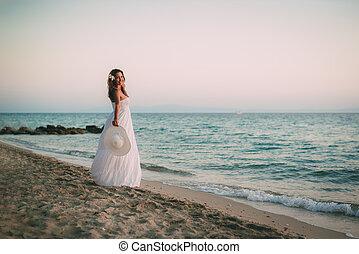 女の子, 浜