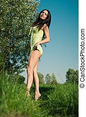 女の子, 牧草地