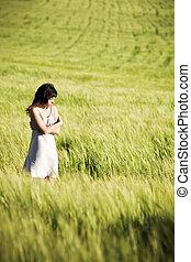 女の子, 牧草地, 悲しい