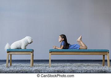 女の子, 犬