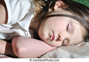 女の子, 睡眠