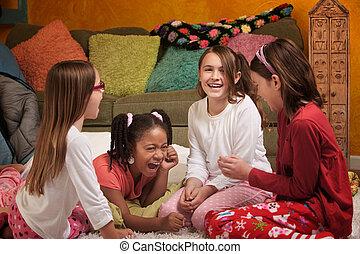 女の子, 笑い