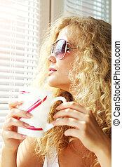 女の子, 美しい, 窓, カップ