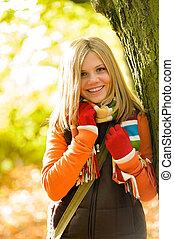 女の子, 若い, 森林, 微笑, ティーネージャー, ブロンド, 幸せ