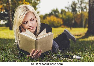 女の子, 草, 公園, 読書