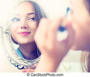 女の子, 見る, mascara, 適用, モデル, 鏡, 美しさ