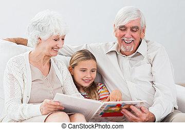 女の子, 読書, 祖父母, 幸せ