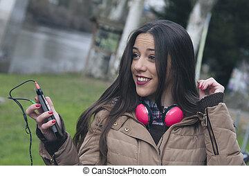 女の子, 音楽 を 聞くこと
