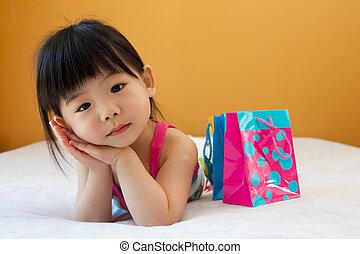 女の赤ん坊, アジア 子供