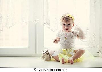 女の赤ん坊, 微笑, 窓, モデル