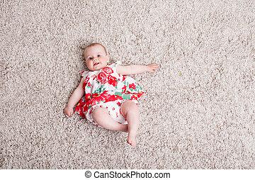 女の赤ん坊, 花, 服, 赤