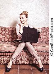 女商人, 使用, computer., 網際網路, 家, technology., 葡萄酒, photo.
