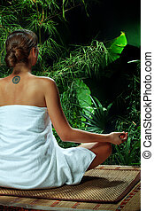 女性が瞑想する, 若い, すてきである, 光景