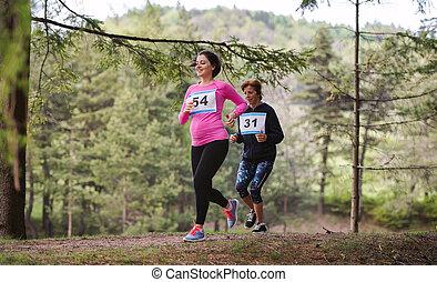 女性が走る, 妊娠した, 競争, レース, nature.