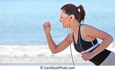 女性が走る, 若い, 浜