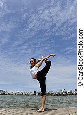 女性のダンス, 上に, ∥, 歩道橋