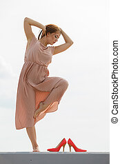女性のダンス, 身に着けていること, 長い間, ライト, ピンクのドレス