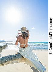 女性の保有物, 浜, 木, トロピカル, 新たに, トランク, モデル, ココナッツ, 飲みなさい