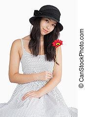 女性の保有物, 花, 中に, a, ポルカドット, 服