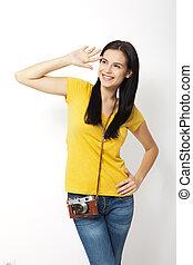 女性の保有物, 若い, に対して, カメラ, レトロ, 背景, 白