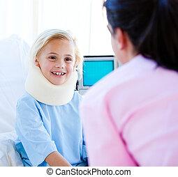 女性の子供, 医者, 検査