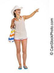 女性の指すこと, スペース, 若い, 長さ, フルである, 肖像画, コピー, 浜, 幸せ