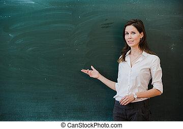 女性の指すこと, 指, ∥において∥, ブランク, board., 学校教師, 指すこと, ∥, 指, ∥において∥, a, ブランク, board., 学生, 立つ, ∥において∥, ∥, blackboard., ビジネス 女, 提出すること, ∥, 考え, へ, ∥, board., 女の子, 中に, ∥, school.