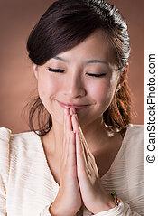 女性の祈ること, アジア人