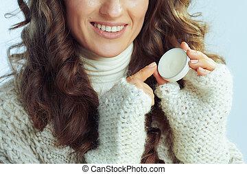 女性の 微笑, 唇, 手袋, クローズアップ, バルム, 現代, 適用