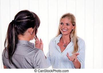 女性の 話すこと, ∥において∥, arbitsplatz, 中に, オフィス