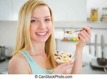 女性の 食べること, 健康, 若い, 朝食, 幸せ