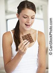 女性の 食べること, 若い, チョコレート