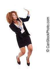 女性ビジネス, 人々, -, 若い, 隔離された, アメリカ人, 保護, 黒い背景, アフリカ, 肖像画, 白, ジェスチャー, 作成