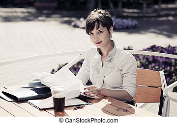 女性ビジネス, 仕事, 若い, 歩道カフェ