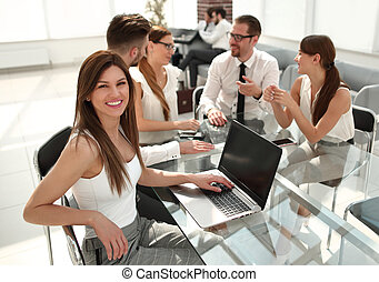 女性ビジネス, 若い, モデル, オフィス, テーブル, 彼女, 同僚