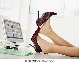 女性ビジネス, 靴, 出発