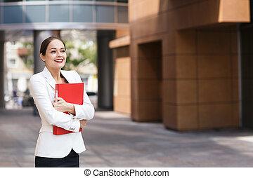 女性実業家, ∥で∥, 文書