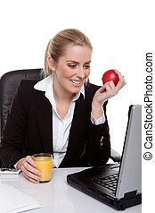 女性実業家, アップル