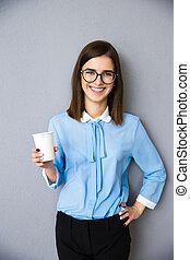 女性実業家, コーヒー, 幸せ, 保有物のコップ