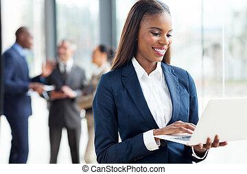 女性実業家, ラップトップ・コンピュータ, 仕事, アフリカ