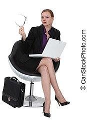 女性実業家, 厳しい