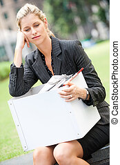 女性実業家, 失業者