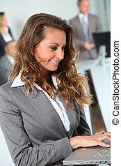 女性実業家, 微笑, オフィス, 肖像画