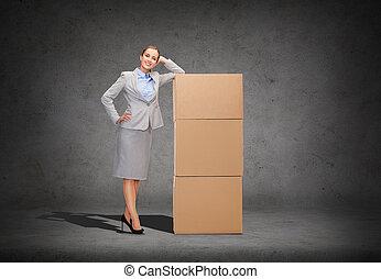 女性実業家, 微笑, ボール箱