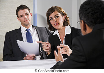 女性実業家, 男性, 交渉