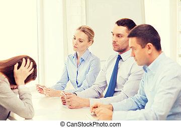 女性実業家, 発射される, オフィス, 得ること